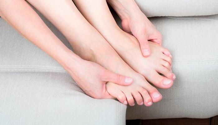 мёрзнут руки и ноги