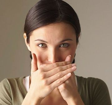 Когда бывает металлический привкус во рту