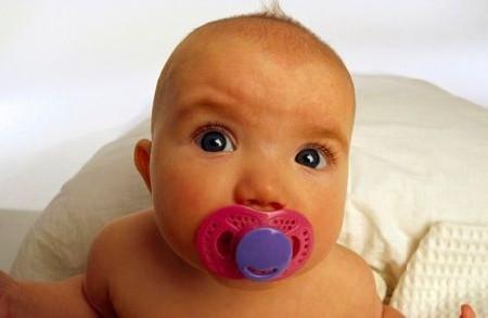 Как приучить ребенка к пустышке – некоторые рекомендации