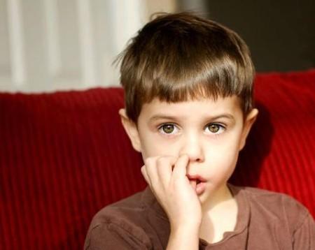 Патологический рефлекс - сосание пальца ребенком