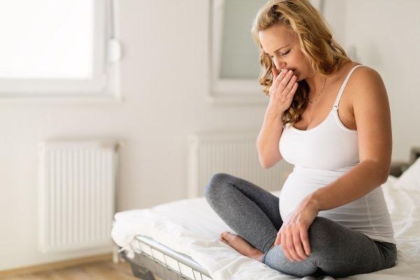 Почему тошнит по утрам на голодный желудок - причины и лечение тошноты